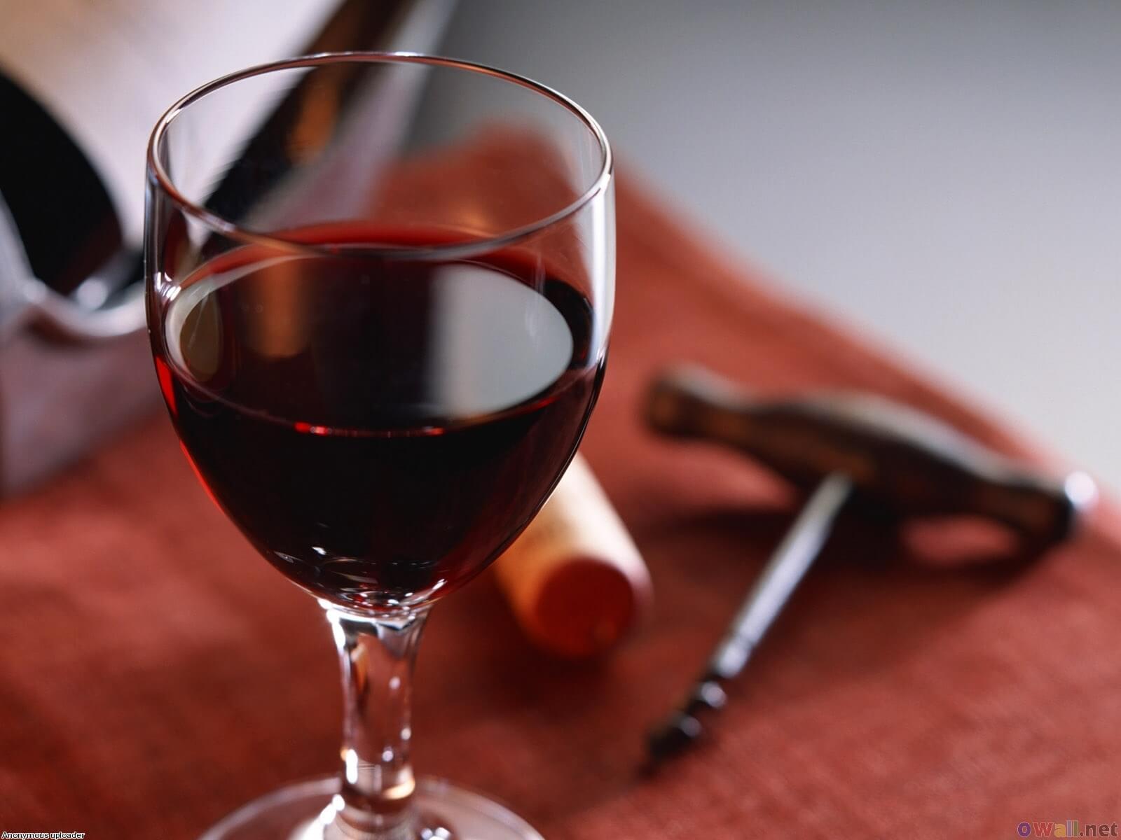 ¿Por qué el vino tinto?